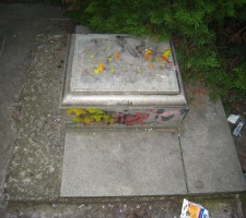 prázdny sokel v chránenom parku za Istrochemom