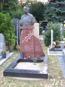 busta Vincenta Hložníka, akad. mal.