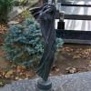 ženská figúra na hrobe Ludwika Korkoša, akad. soch.