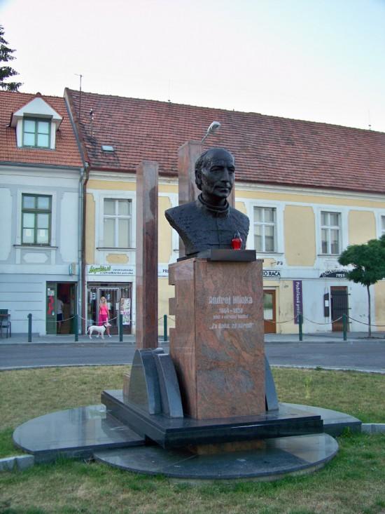 Pomník Andreja Hlinku