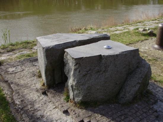 Základný kameň sympózia