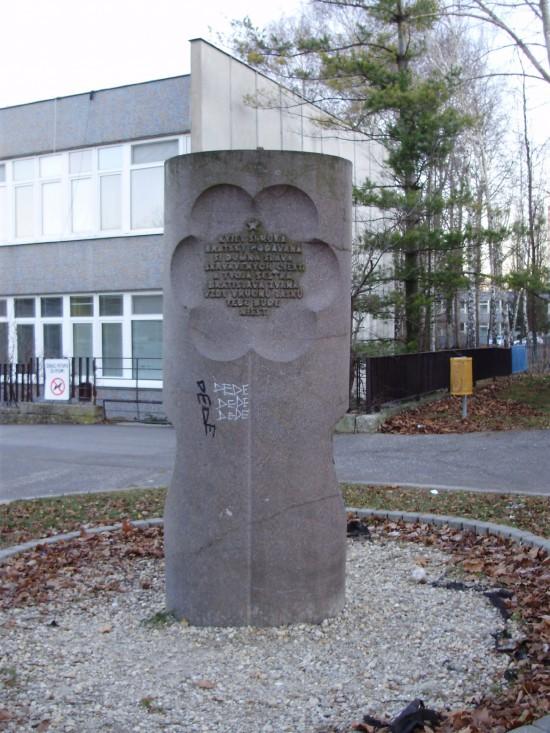 Stéla ku dňom Kyjeva v Bratislave  (12. - 13. septembra 1977)